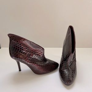 Vine Camuto Plum python booties, size 8.5